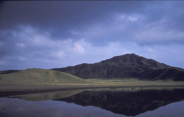 湖と山のフリー写真素材