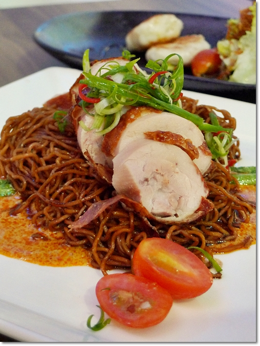 Dry Curry Noodle with Roasted Chicken Roll