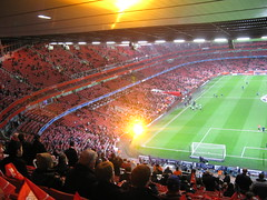 Super Trouper at the Emirates (Ronnie Macdonald) Tags: barcelona football soccer emirates fc premier arsenal league champions ronmac ronmacphotos