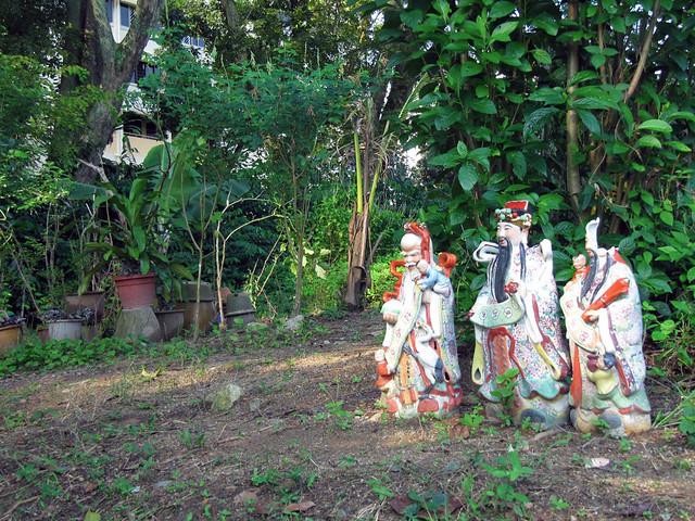 3 little kampung gods