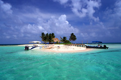 Belize 3 (msdstefan) Tags: pictures ocean trip travel vacation sky panorama sun holiday sol praia beach strand america landscape island coast soleil sand pics belize urlaub himmel nikond50 best insel landschaft sonne rtw isla nicest kste ozean landschaftsbild superaplus aplusphoto bestcapturesaoi mygearandme mygearandmepremium mygearandmebronze mygearandmesilver mygearandmegold mygearandmeplatinum ringexcellence
