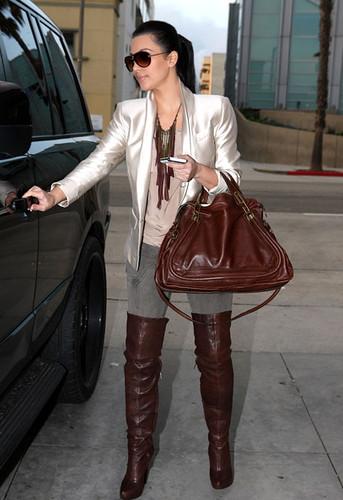 Kim+Kardashian+Boots+Over+Knee+Boots+jB__UcNhCogl