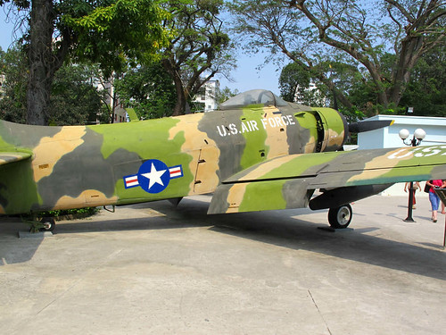 War-Remnants-Museum-Plane
