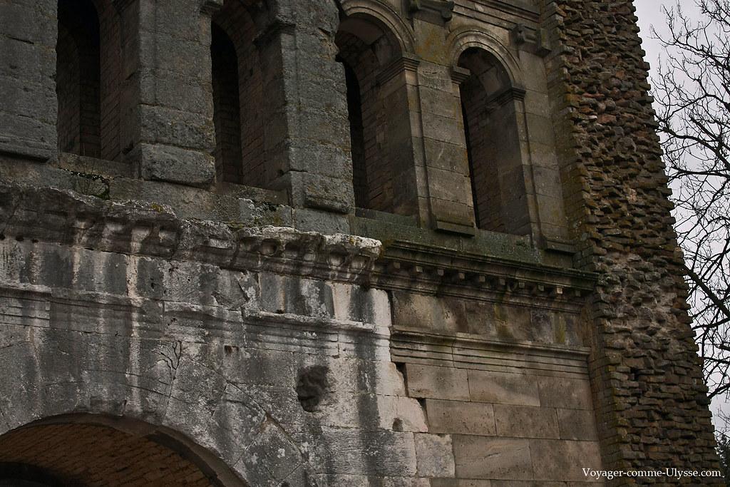 Les restaurations de Viollet-le-Duc sont bien visibles