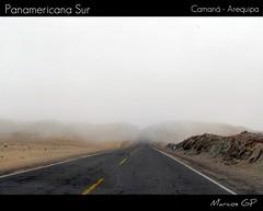 Hacia la neblina  -  Explorer! (Marcos GP) Tags: trip viaje peru danger peligro sur neblina arequipa niebla 2010 panamericana higway camaná panoramafotográfico marcosgp flickrsportal