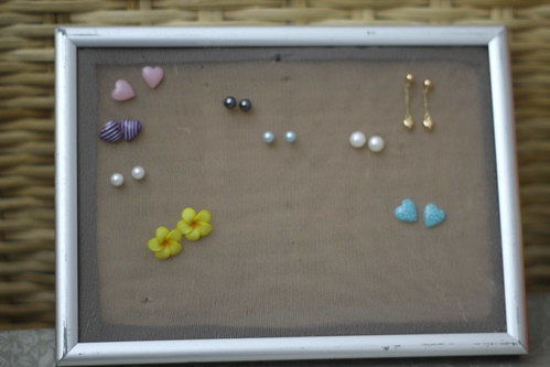 DIY earring holder (lock earrings)