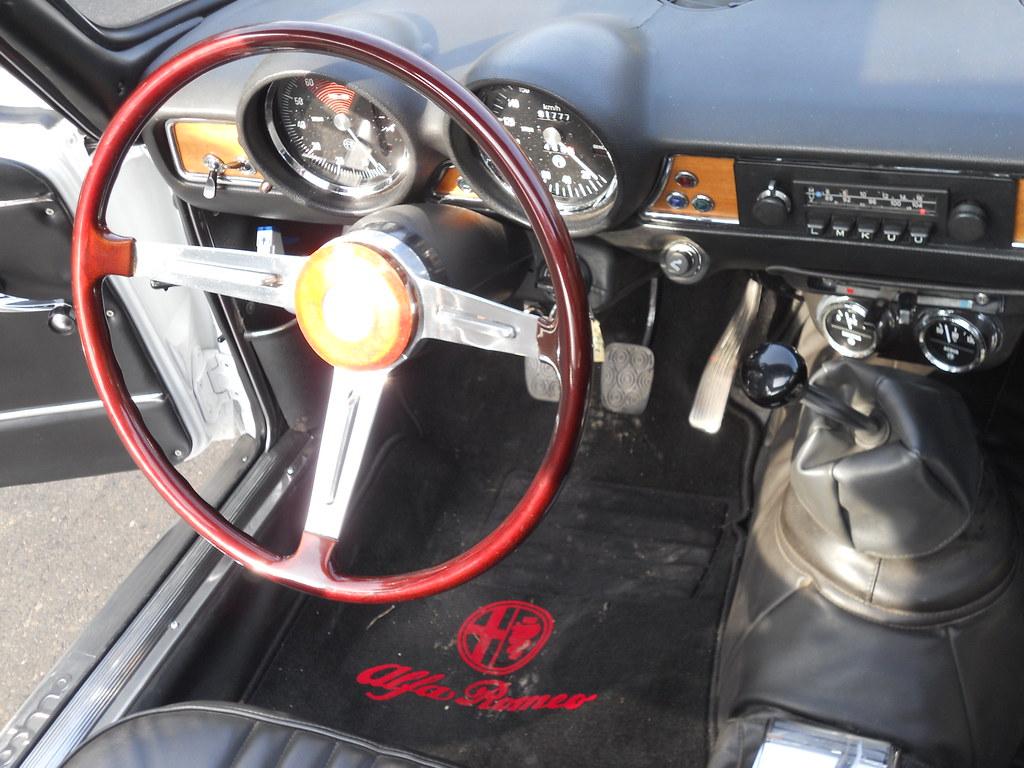 Alfa Romeo GT 1300 Junior Bertone - 1971