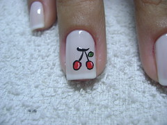 Ceereja... (Taís Volkweis) Tags: paris arte nails cereja unhas risque unha esmalte