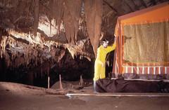 Pascal Barrier dans la grotte de la Cocalière