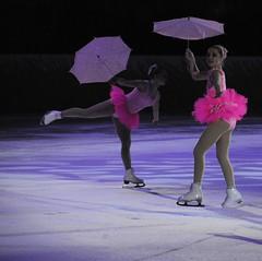 Peppi Pitktossu Show (smerikal) Tags: show ice helsinki skating performance cc human creativecommons figureskating iceshow luistelu j peppi jhalli peppipitktossu ihminen ccbysa pitktossu esitys taitoluistelu muodostelmaluistelu peppipitkatossushow jtanssi jshow