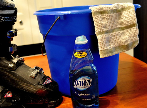 Items needed for proper ski boot cleanup