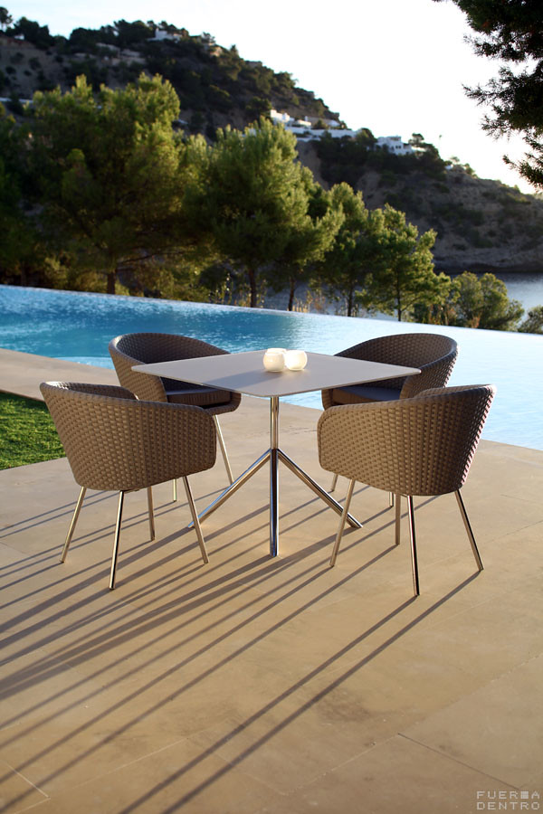 SHELL Dining 100 + Chair
