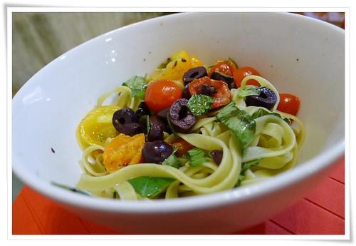 Tomato, Olives & Herbs Linguine