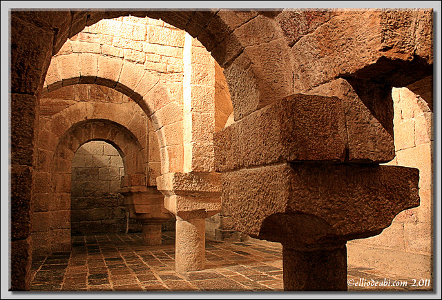 2 Monasterio de Leire