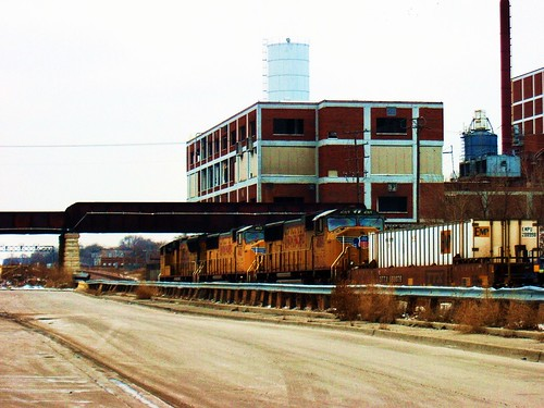 Westbound Union Pacific intermodal container train. Chicago Illinois USA. January 2007. by Eddie from Chicago