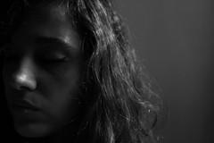 broken wings series (Milla Garofalo) Tags: portrait bw selfportrait art girl self canon ego hair see wings eyes retrato femme autoretrato pb beatles garota 1855 drama menina blackbird cabelo f40 canonlens canoneos500d tangerinegirl canoneost1i brokenwingsseries