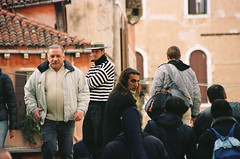 the look (zsozso68) Tags: venice italy look canon eos kodakportra400vc 3000v gondolier
