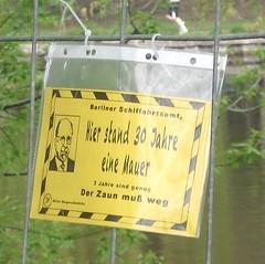 Protestaushang am Landwehrkanal
