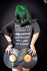 Rock And Roll All Night (Yuricka Takahashi) Tags: mandy music amanda green rock hair ensaio nikon kiss mg musica takahashi cabelo vinil alves horizonte belo fotogrfico colorido d90 yuricka amandamimimi