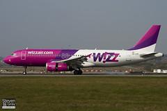 HA-LPF - 1834 - Wizzair - Airbus A320-232 - Luton - 110328 - Steven Gray - IMG_3244