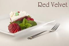 Red Velvet (NaturalImagesPhoto) Tags: red cake dessert yum strawberries velvet creamcheese vivitar frosting flashpoint strobist naturalimagesphoto calebgarvin