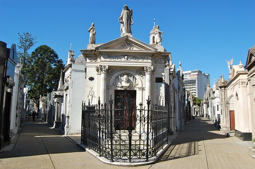 There are no open plots - just paved walkways and elaborate mausoleums