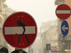 No way? Don't wait! (Joy Marlene) Tags: warning way torino strada via stop passenger cartello pedone divieto