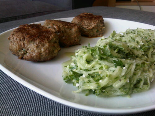 Curry burgers and cucumber salad