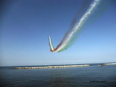 Frecce Tricolore BA (herlejjace) Tags: nikon lungomare bari freccetricolori frecce s3000 tricolore aereonautica