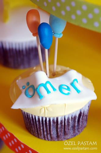 Ömer'in 1 Yaş Cupcake Kulesi