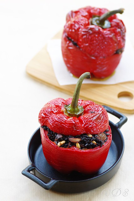 Stuffed peppers with black rice