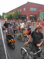 Cirque du Cycling_28 (METROFIETS) Tags: green beer bicycle oregon garden portland construction paint nw box handmade steel weld coat transport craft cargo torch frame pdx custom load cirque woodstove builder haul carfree hpm suppenkuche stumptown paragon stp chrisking shimano custombike cargobike handbuilt beerbike workbike bakfiets cycletruck rosecity crafted 4130 bikeportland 2011 braze longjohn paradiselodge seattlebikeexpo nahbs movebybike kcg phillipross bikefun obca ohbs jamienichols boxbike handmadebike oregonhandmadebikeshow nntma hopworks metrofiets cirqueducycling oregonmanifest matthewcaracoglia palletbike oregonframebuilder seattlebikeshow bikefarmer trailheadcoffee cargbikerace