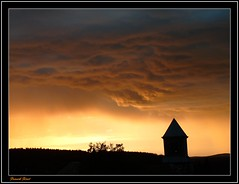 couleur du couchant aprs l'orage ** color of the sunset after the storm ** (francky25) Tags: du couleur couchant aprs lorage doubs comt franche flickraward alaise flickraward5 flickrawardgallery cloudsstormssunsetssunrises