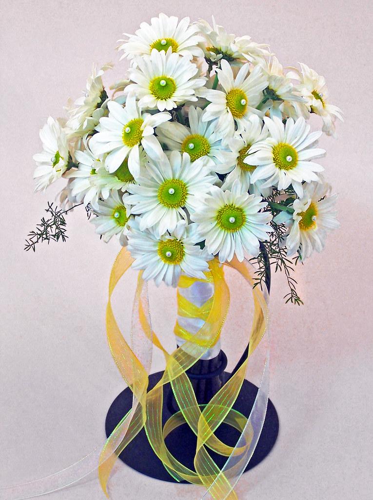 Sparks Florist Daisy Power Bridal Bouquet