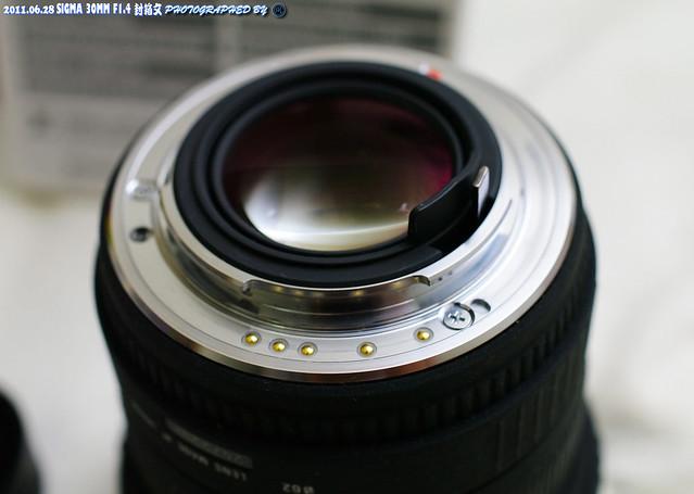 SIGMA 30mm F1.4 相當不捨的封箱文 (DA35/2.8)