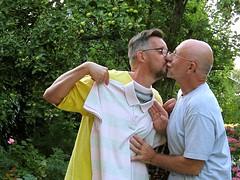 Bonne fête Pierre 455 (bernard-paris) Tags: bernard pierre fête cadeau baiser