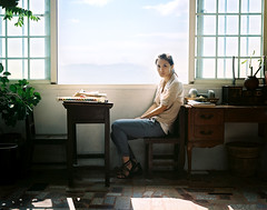 03-000002 ( Sean Marc Lee ) Tags: light 120 girl fashion vintage mediumformat pentax kodak explorer carina taiwan 400 backlit 6x7  portra 67ii  jiufen pentax67ii