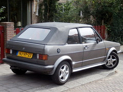 Volkswagen Golf 1 cabrio 1986 nr2413 (a.k.a. Ardy) Tags: njvp23 softtop