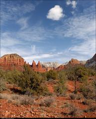 Landscape with cloudlet (Rob Millenaar) Tags: travel arizona landscape scenery sedona vertorama