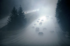 montee (sparth) Tags: road seattle trees cars fog march washington highway foggy silhouettes 300mm 28 autoroute pnw 90 brouillard snoqualmie snoqualmiepass sapins 300mm28l 5dmkii