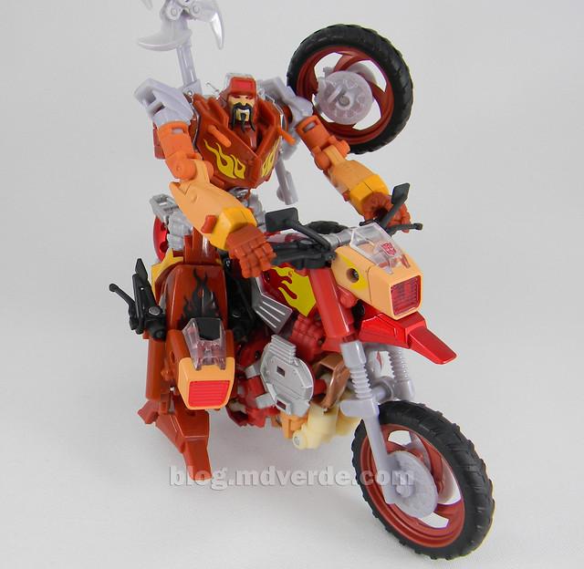 Transformers Wreck-Gar United Deluxe - modo alterno vs RTS
