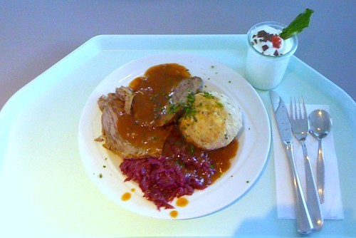 Sauerbraten mit Blaukraut & Semmelknödel / Marinated beef with red cabbage & dumpling