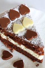 cake with chocolate hearts 1627 R