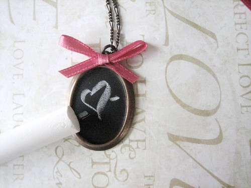 chalkboard necklace diy - finished!