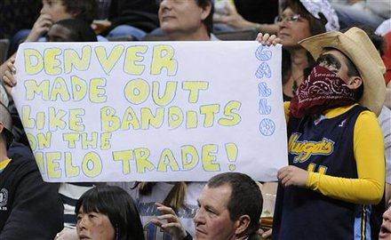 20110409-nuggets-fan