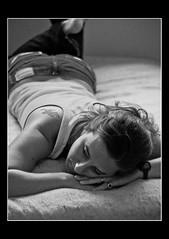 thinkin' (GonzaloGR) Tags: woman argentina digital reflex buenosaires nikon retrato amiga cama rocio pensativa d90 blackwhitephotos nikond90 theunforgettablepictures reflexdigital wwwgonzalogrcomar