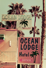 Ocean Lodge Hotel (TooMuchFire) Tags: signs typography neon santamonica signage beaches hotels neonsigns lightroom oldsigns vintagesigns vintageneonsigns vintagesignage canon30d hotelsigns retrosigns retrosignage beachhotels santamonicahotels oceanlodgehotel toomuchfire 1667oceanavesantamonicaca
