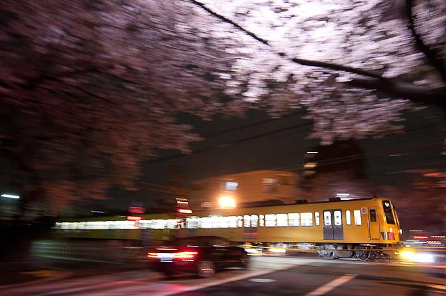 西武新宿線 301系 新井薬師前2号踏切