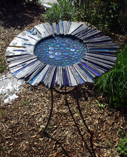 """Splash"": sculptural bird bath"