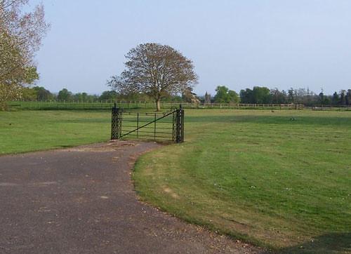 iron-gate-no-fence